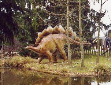 http://www.rausche.de/Ausfluege/urwelt/stegosaurus.jpg